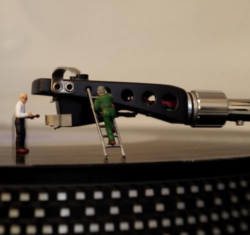 Proper cartridge alignment is essential for good tracking and sound quality.